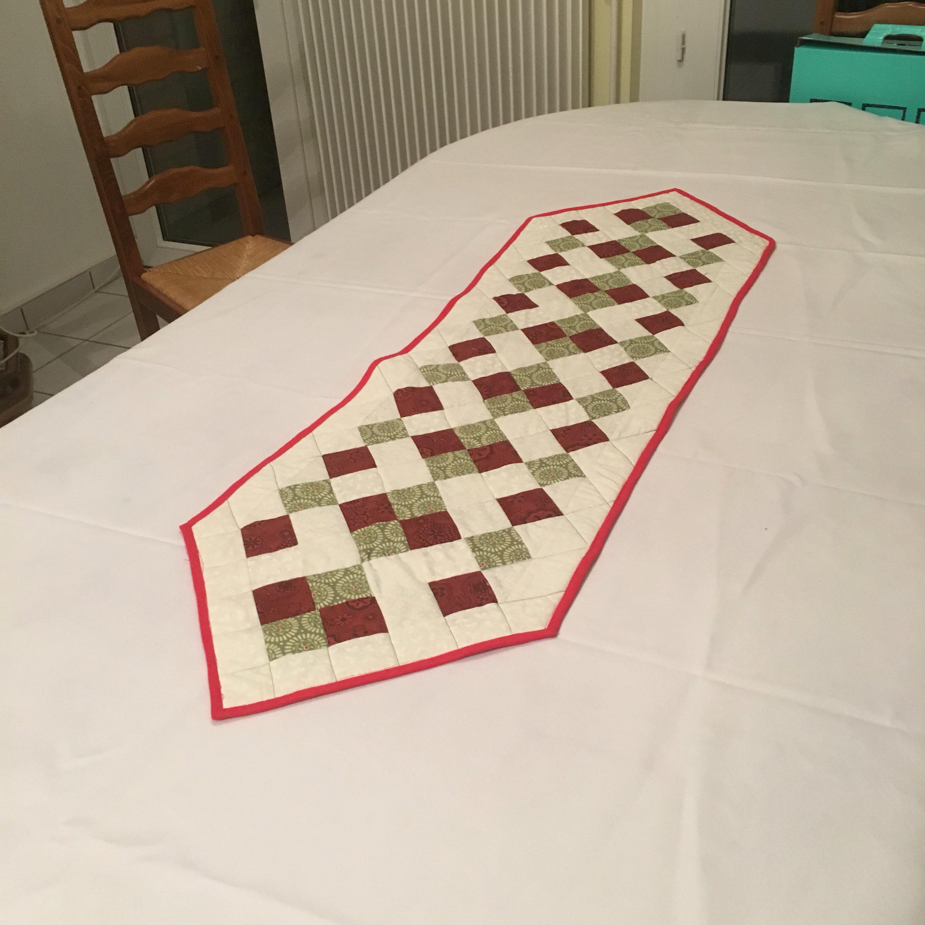 une belle table pour no l patchwork et tralala. Black Bedroom Furniture Sets. Home Design Ideas